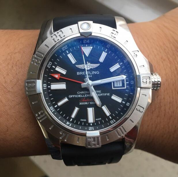 The Breitling Avenger II Knockoff Watch has been favored by many strong men.