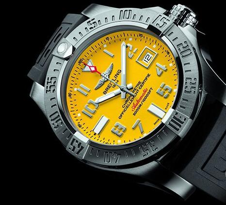 The yellow dial makes the timepiece very eye-catching.