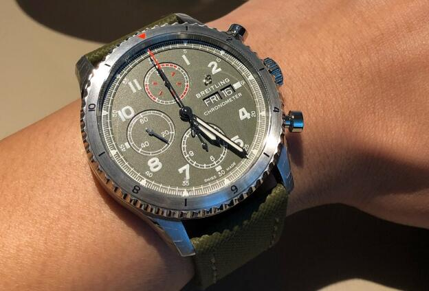 The strong and bold Breitling Navitimer will be best choice for modern men.