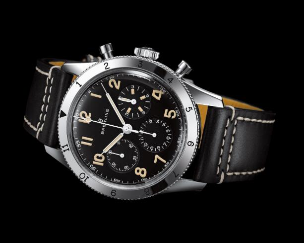 Breitling AVI Ref. 765 1953 Re-Edition perfectly reinterpreted the charm of original model.