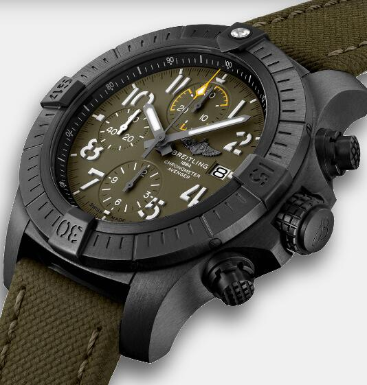 The timepiece with green dial presents military style.